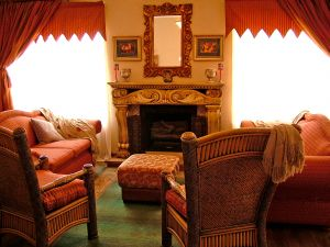 210694_cozy_room_with_fireplace